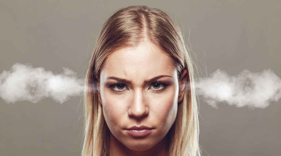 Bild einer ärgerlichen Frau